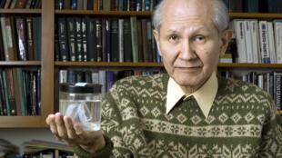 2008年诺贝尔化学奖得主下村修(Osamu Shimomura)