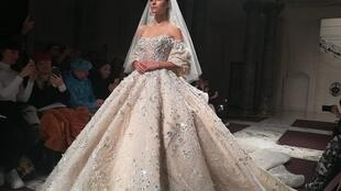 Espectacular traje de novia de Ziad Nakad. París, enero de 2019.