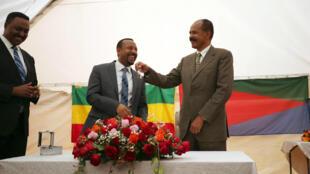 Abiy Ahmed confie les clés de l'ambassade érythréenne en Ethiopie à Issayas Afewerki lors d'une précédente visite (image d'illustration).