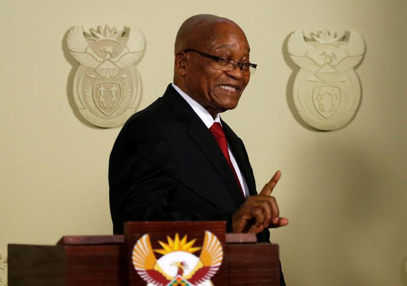 Le geste de Jacob Zuma, président sortant de l'Afrique du Sud, après avoir annoncé sa démission aux Union Buildings à Pretoria, en Afrique du Sud, le 14 février 2018.