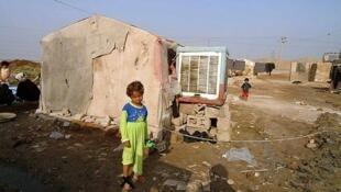 از جمله تدابیر دولت ایران برای ساماندهی حاشیه نشینان اعطای وام برای نوسازی سکونتگاههای آنان است