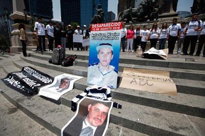 El aumento de la violencia en México se ha vuelto una inquietud creciente. Manifestación contra la violencia en México, el 25 de mayo de 2012.