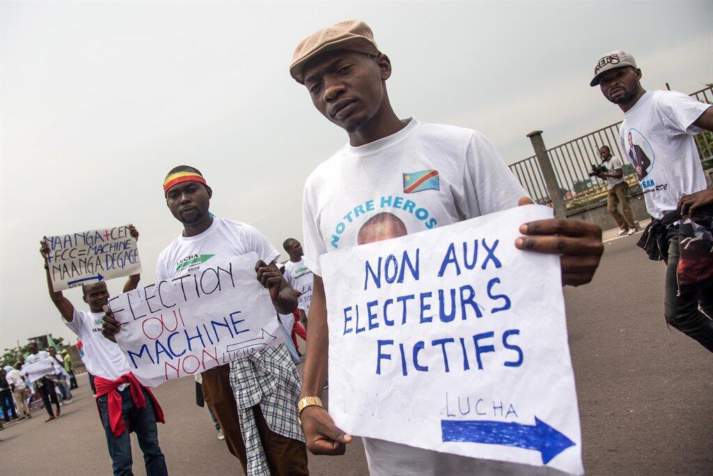 Des membres du mouvement citoyen la Lucha (Lutte pour le changement ) à Kinshasa en RDC. Fred Bauma est un des leaders de La Lucha.