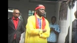Ne Muanda Nsemi lors de la célébration d'une messe (BDMCANADA, juillet 2016).