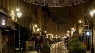 2021_11_14 christmas trade in Paris under Covid