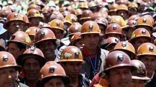 Mineros conmemoran el aniversario de la 'Guerra del Gas', este 17 de octubre en la periferia de La Paz.