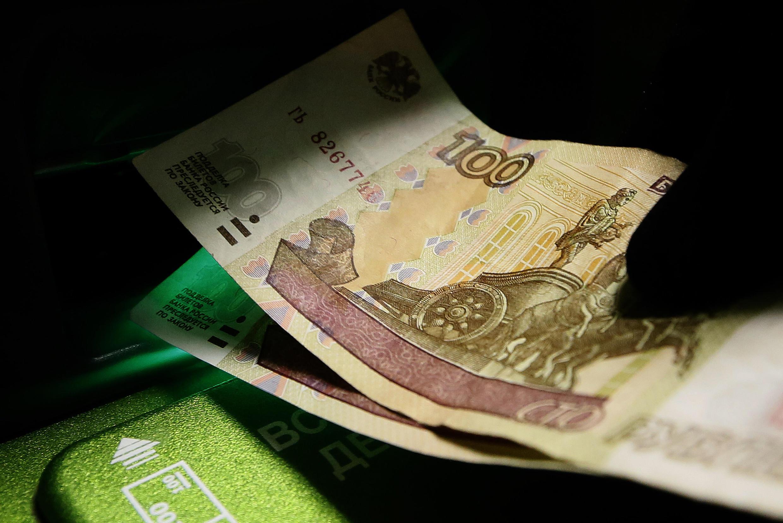 По словам Олега Абелева, нынешний обвал рубля не имеет под собой экономического основания