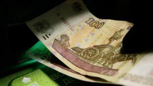 В России на сегодняшний день 7 млн должников имеют просрочки по кредитам больше 90 дней.