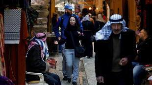 Des membres du TIPH dans les rues d'Hébron (au centre), le 29 janvier 2019.