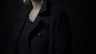 Photographie portrait de la journaliste et romancière Judith Perrignon.
