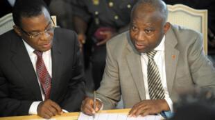 L'actuel président du FPI Pascal Affi N'Guessan avec l'ancien président ivoirien Laurent Gbagbo, en octobre 2009. (Archives)