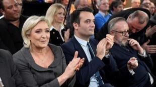 Trois semaines après l'échec de l'élection présidentielle, les points de désaccrod sont nombreux entre Marine Le Pen et son bras droit, Florian Philippot.