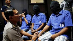 A Indonésia rejeitou apelos da ONU e da UE para renunciar à execução de 14 condenados à morte por narcotráfico.