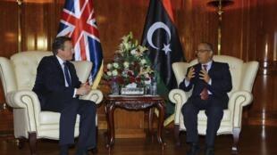 Firaministan Libya Ali Zeidan yana ganawa da David Cameron a wata ziyara da ya kai kasar.
