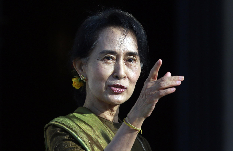 La prix Nobel de la paix Aung San Suu Kyi ambitionne de se présenter à la présidentielle birmane, mais la Constitution l'en empêche