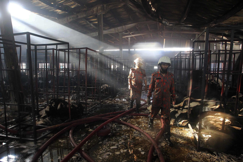 Ao menos 7 pessoas morreram e outras ficaram feridas em um incêndio de uma fábrica têxtil no distrito de Gazipur em Bangladesh