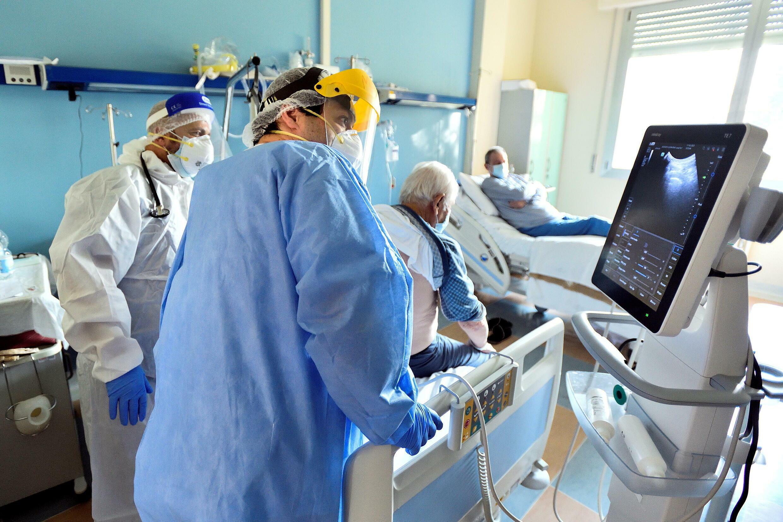 2021-10-20T095527Z_131319498_RC2LDQ9W2Z2Z_RTRMADP_3_HEALTH-CORONAVIRUS-ITALY-STUDY