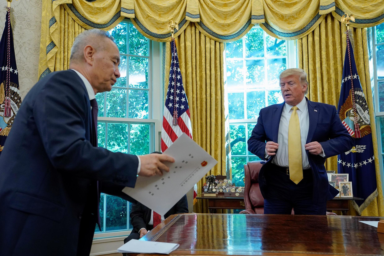 2019年10月11日,中國副總理劉鶴赴美參加貿易談判時,在白宮與美國總統特朗普會晤。