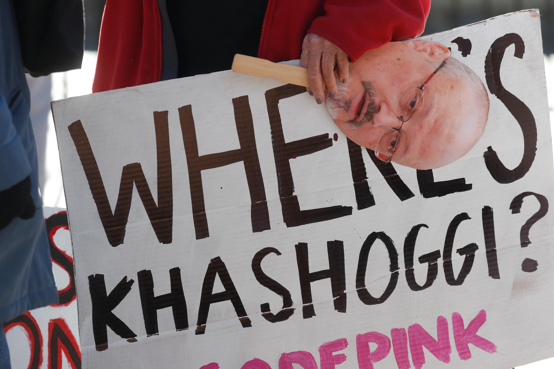 Cảnh biểu tình trước Nhà Trắng đòi trừng phạt Ả Rập Xê Út về vụ nhà báo Jamal Khashoggi mất tích. Ảnh tại Washington, ngày 19/10/2018.