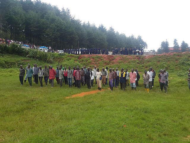 Des ex-combattants des FDLR qui se sont volontairement rendus à la Monusco au Sud-Kivu, lors de la cérémonie de reddition le 28 décembre 2014.