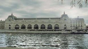 Le musée d'Orsay, vu de la rive droite de la Seine.