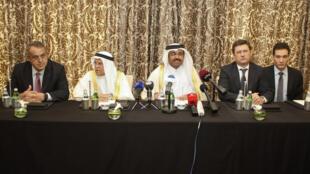 نشست مطبوعاتی وزرای انرژی روسیه، قطر، عربستان سعودی و ونزوئلا در دوحه پایتخت قطر. ۲۷ بهمن/ ۱۶ فوریه ٢٠۱۶