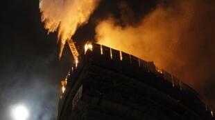 В тушении пожара были задействованы три вертолета