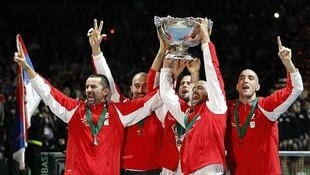 El equipo serbio festeja su primera Davis.