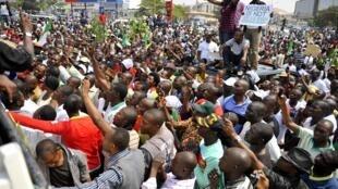 Demonstrators in Nigeria's capital Abuja, 10 January, 2012