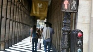 Culture largely determines how people cross a street, figures in a study show