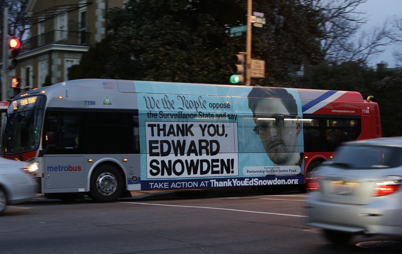 Le portrait de l'ex-employé de la NSA, avec cette phrase : «Merci Edward Snowden !». Washington, le 20 décembre 2013