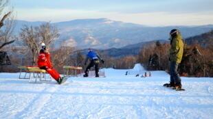 Près de 80% des skieurs chinois qui suivent des cours sont des débutants.