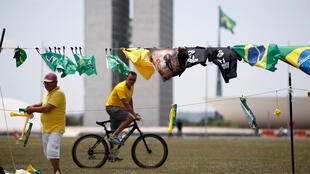 O partido de Bolsonaro passou de oito para 52 deputados (de um total de 513) no Congresso