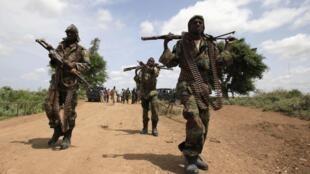 Patrouille de soldats somaliens au nord de la capitale Mogadiscio, en juillet 2012 (photo d'illustration).