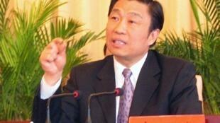 中共十八大前夕,有消息透露,此前预测有望入常的时任中央政治局委员、中央书记处书记兼中央组织部长李源潮可能将出局。