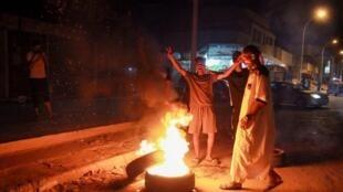 Daya daga cikin hanyoyin da masu zanga-zanga suka datse a garin Benghazi