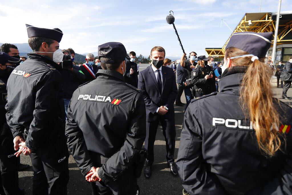 Macron fronteira