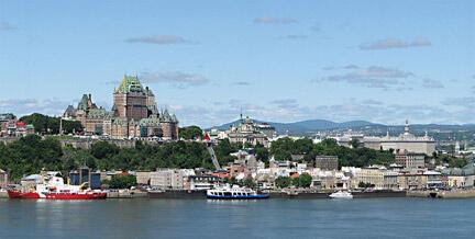 Panorama de Québec Ville qui fête, en 2008, ses 4 siècles d'existence avec plus de 150 évènements sur 10 mois.