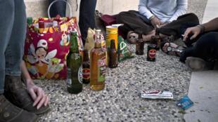 Les séances d'alcoolisation massive, appelées en anglais «binge drinking», sont en augmentation constante chez les jeunes, relève Claude Evin..
