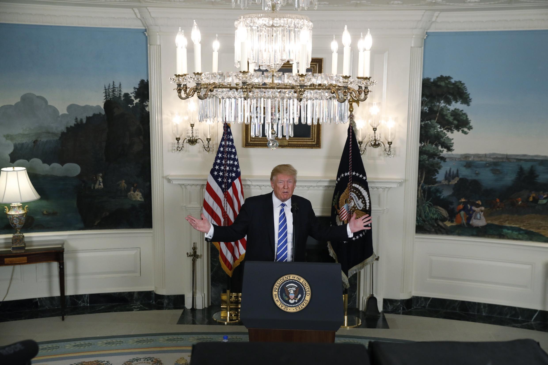 Tổng thống Mỹ Donald Trump khoe thành công trong chuyến đi Châu Á. Ảnh tại Nhà Trắng ngày 15/11/2017.