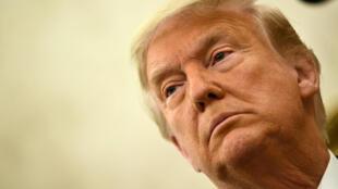 El presidente de Estados Unidos, Donald Trump, fue acusado de fomentar la corrupción al otorgar indultos a partidarios políticos convictos