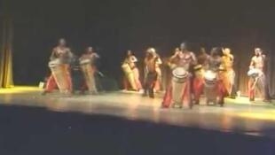 «Les tambours de Brazza» en tournée en France.