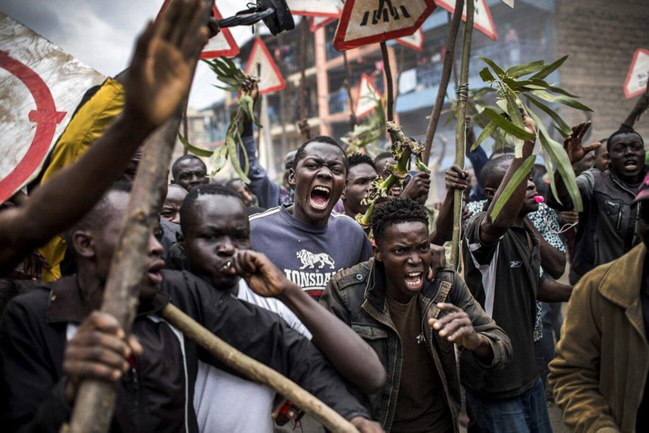 Manifestacion de los partidarios de Raila Odinga, candidato opositor, un día después de la elección. Mathare, Nairobi, 9 de agosto de 2017.