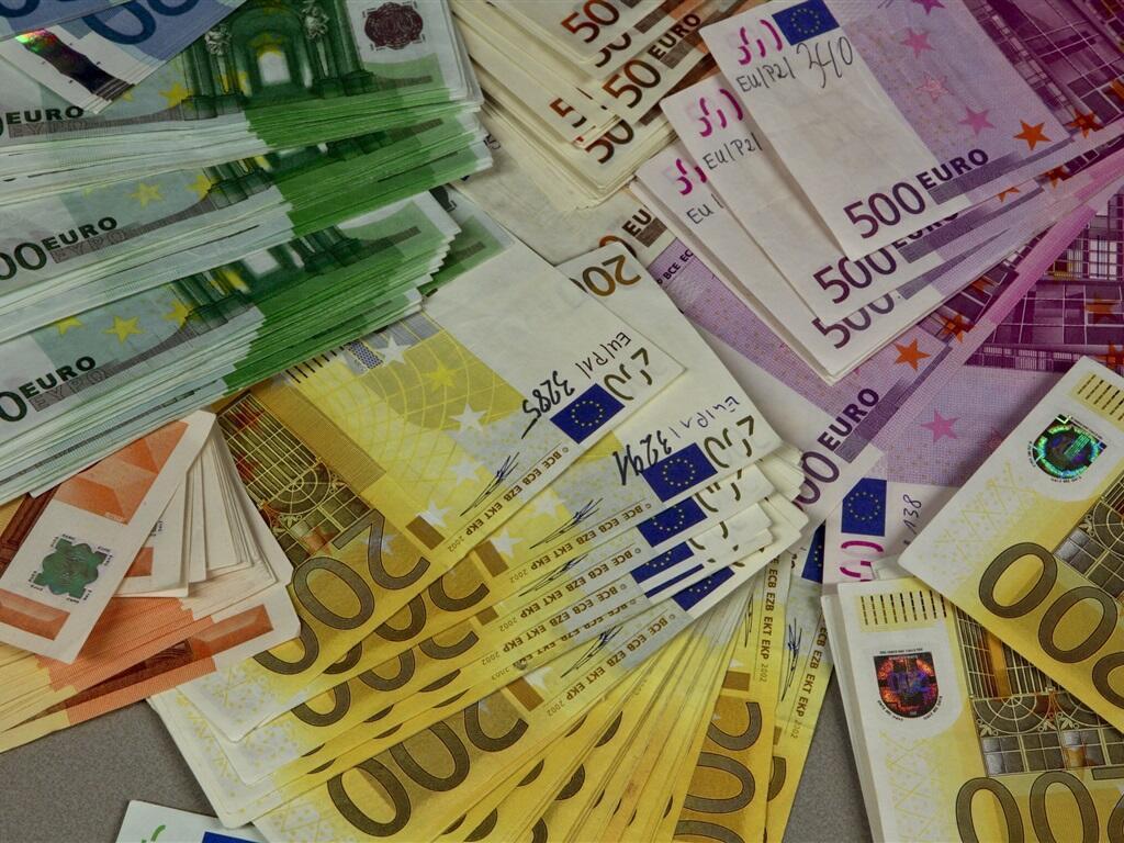 Шефы крупных предприятий будут платить налоги во Франции