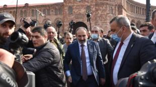 O primeiro-ministro arménio Nikol Pashinyan denunciou uma tentativa de golpe militar neste dia 25 de Fevereiro.