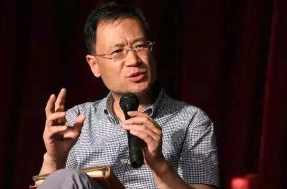 曾公開批評習近平的清華大學知名教授許章潤被當局停課