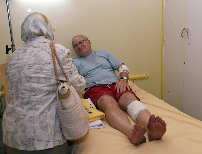 A l'hôpital Sahloul de Sousse, un touriste anglais blessé lors de l'attaque terroriste du 26 juin 2015.