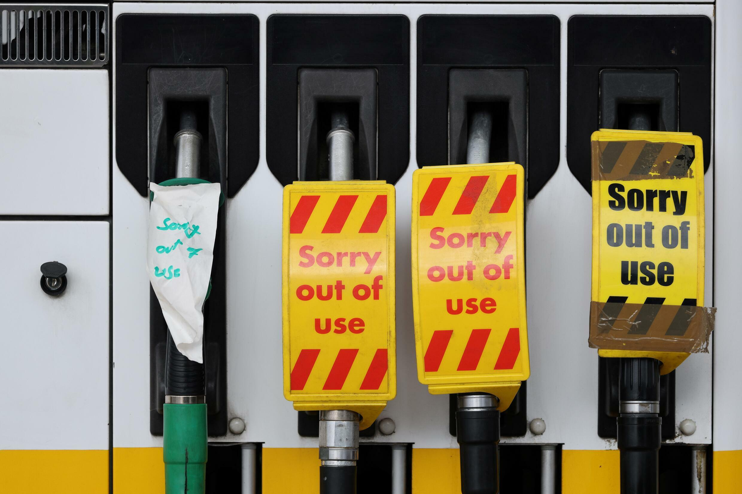 Britain does not have enough truck drivers to transport petrol to petrol pumps