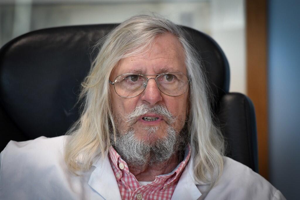 Le professeur Didier Raoult prône l'usage de la chloroquine pour soigner les patients atteints du Covid-19 mais certains médecins l'accusent de griller les étapes en matière de tests.