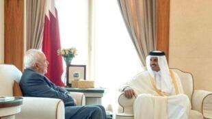 محمد جواد ظریف وزیر امور خارجه جمهوری اسلامی ایران با شیخ تمیم بن حمد امیر قطر  دیدار و گفت وگو کرد.